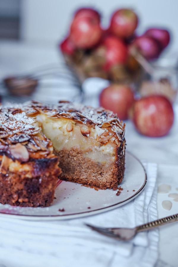 einfacher Apfelkuchen mit Dinkelmehl