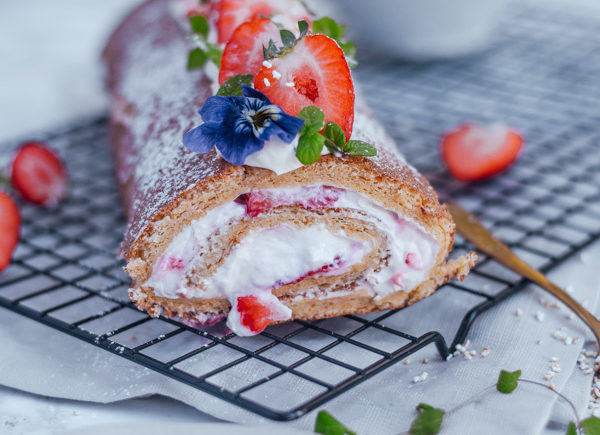 Erdbeerroulade ohne Zucker gesund