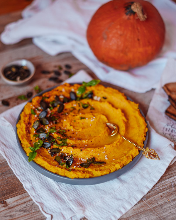 Pumpkin Hummus healthy and easy recipe