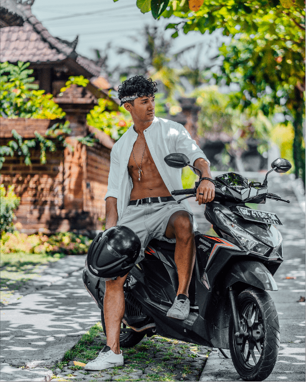 Driving a scooter in Canggu