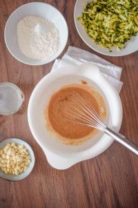 Zucchinikuchen ohne Zucker einfach-2