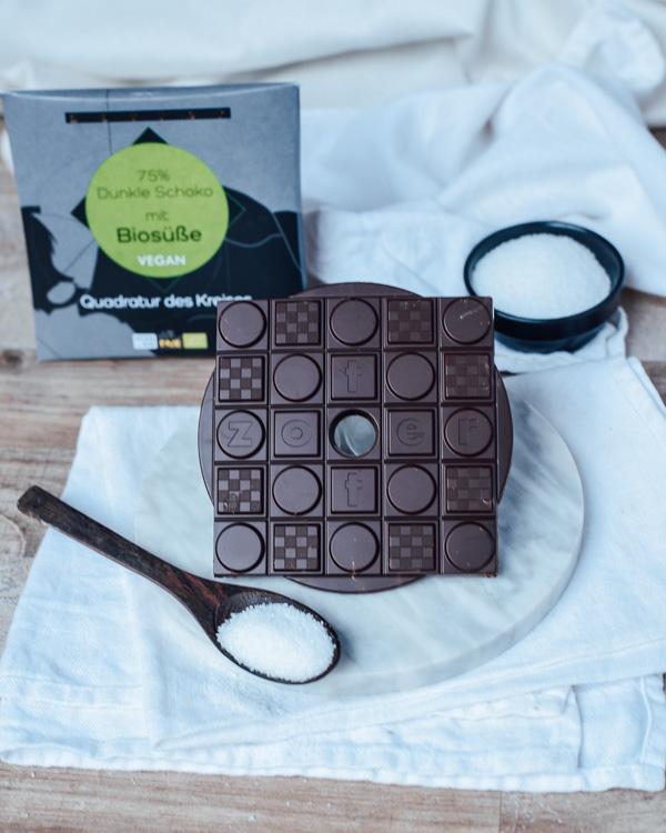 Dunkle Schokolade mit BIosüße