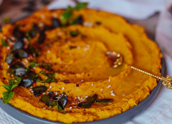 pumpkin hummus vegan