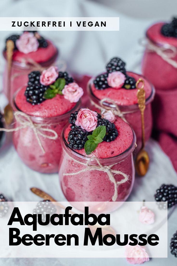 Vegan Aquafaba Mousse mit Beeren